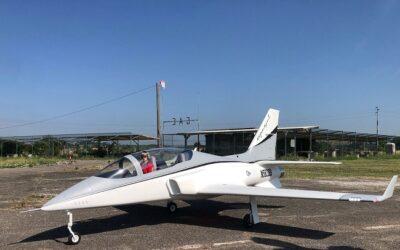 Viper Jet Tomahawk design, Lion 220 Jet-Italia